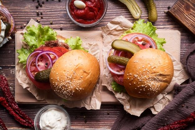 Vista superior del menú de hamburguesas composición