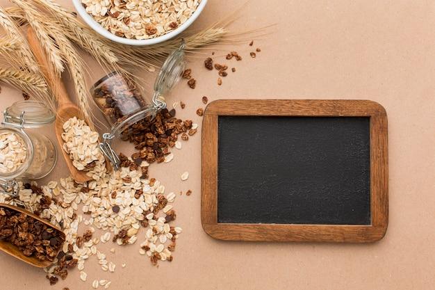Vista superior mezcla de cereales con espacio de copia