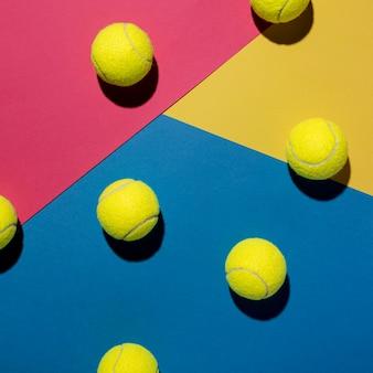 Vista superior de pelotas de tenis