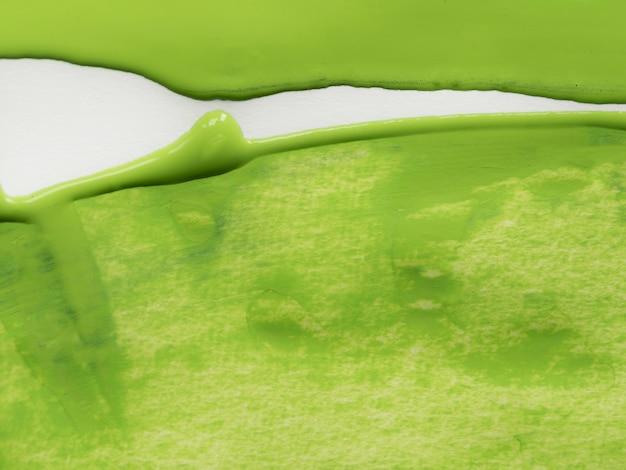 Vista superior de pintura verde oliva.