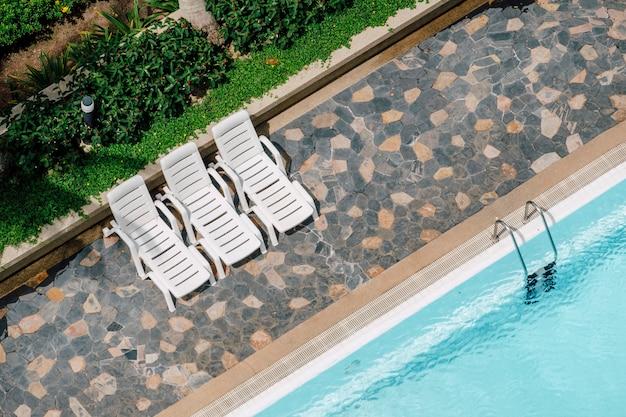Vista superior de la piscina