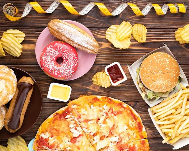 Vista superior poco saludable comida deliciosa