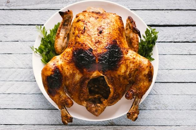 Vista superior de pollo asado