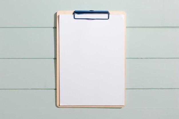 Vista superior del portapapeles de espacio de copia minimalista