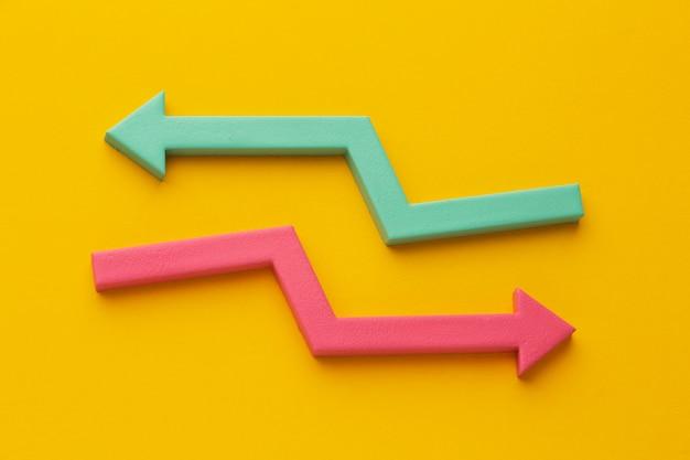 Vista superior de la presentación de estadísticas con flecha.