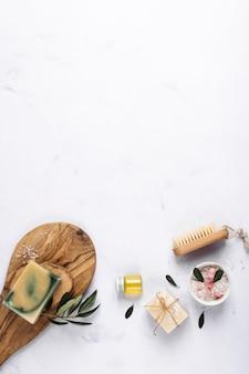 Vista superior de productos para spa y bienestar