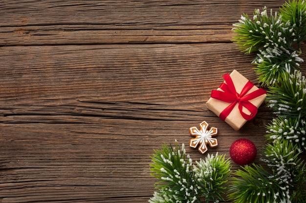 Vista superior regalo de navidad con espacio de copia