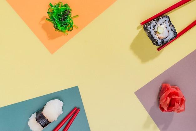 Vista superior rollos de sushi para celebración