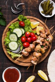 Vista superior de sándwich de kebab turco delicioso