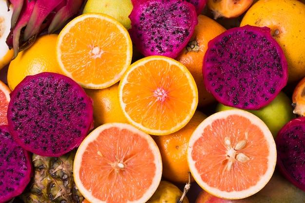 Vista superior surtido de frutas tropicales