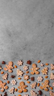 Vista superior del surtido de galletas de jengibre con espacio de copia