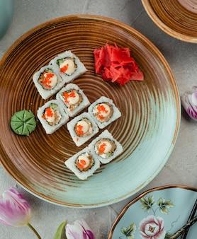 Vista superior de sushi de arroz