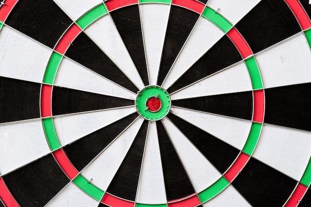 Vista superior del tablero de dardos target. objetivo del negocio o éxito de la meta
