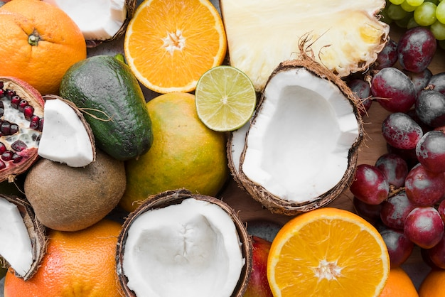 Vista superior variedad de frutas exóticas