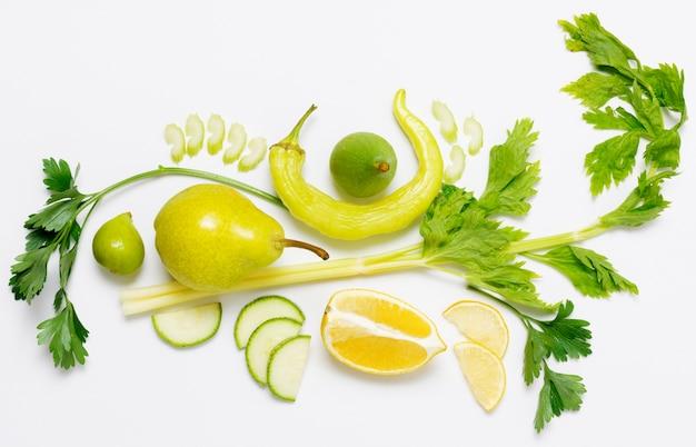 Vista superior variedad de frutas y verduras.