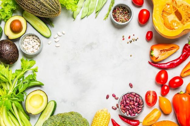 Vista superior variedad de verduras