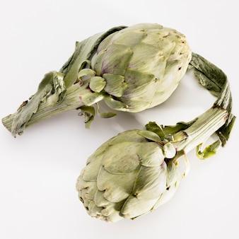 Vista superior de vegetales de alcachofa