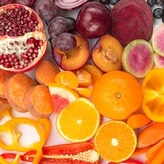 Vista superior de verduras y frutas