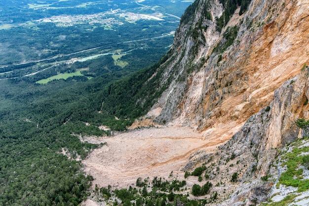 Vista del valle cerca de villach en austria