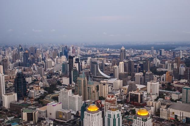 Vistas de bangkok en baiyoke sky hotel