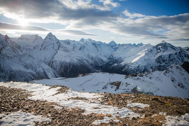 Vistas de las montañas nevadas