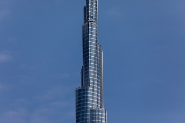 Vistas a la torre más alta del mundo burj khalifa, dubai, eau