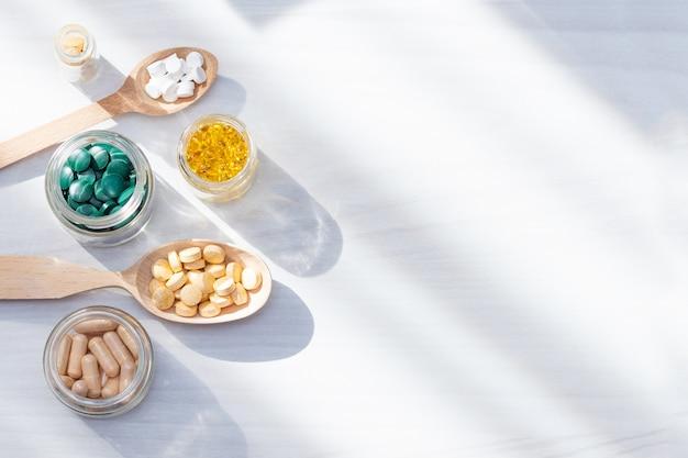 Vitaminas, suplementos, concepto de vida saludable.