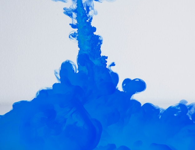 Viva nube de neblina azul