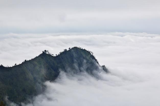 Volcán bromo en la isla de java, indonesia