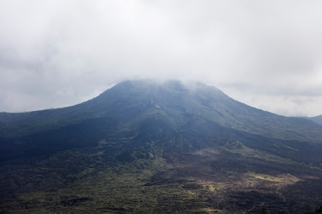 Volcán monte batur en bali, indonesia