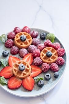 Waffle con frutos rojos para niños