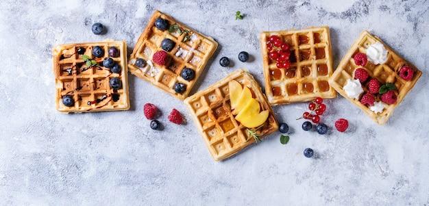 Waffles belgas con bayas
