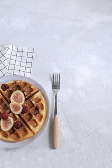 Waffles belgas higos frambuesas