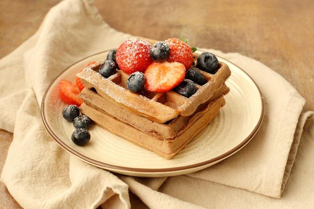 Waffles con frambuesa y arándano