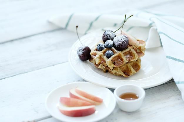 Waffles con fruta