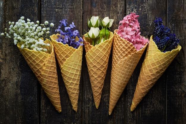 Waffles para helado con flores