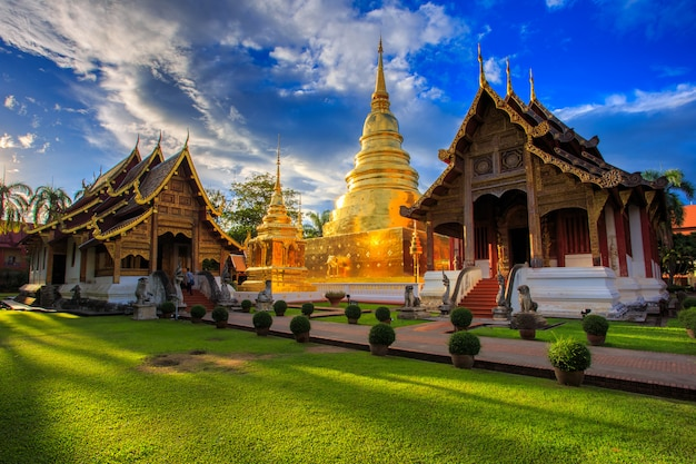 Wat phra singh se encuentra en la parte occidental del centro de la ciudad vieja de chiang mai, tailandia