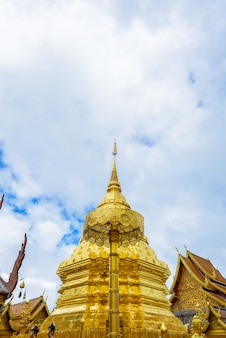 Wat phra that doi suthep el templo es una de las principales atracciones turísticas de chiang mai.