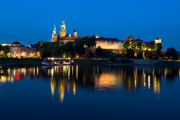 Wawel de noche