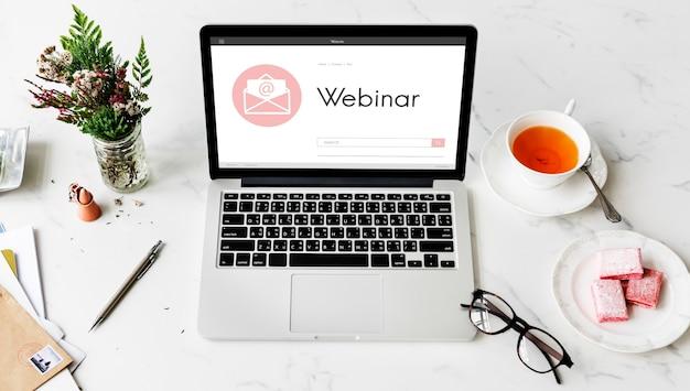 Webinar brainstorming concepto de tecnología de conexión de conferencia web