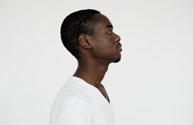 Worldface- vista lateral de un hombre africano