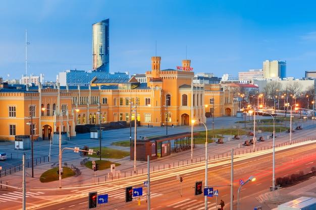 Wroclaw main railway station en la mañana, polonia