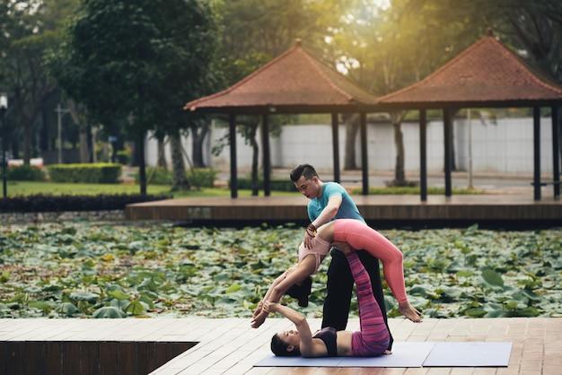 Yoga de pareja