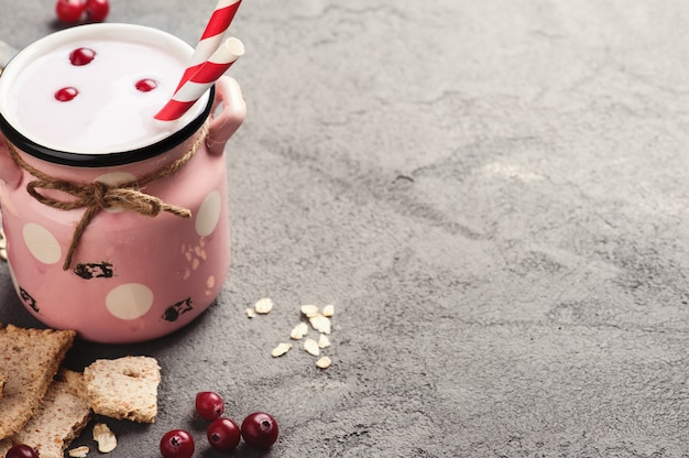 Yogurt con muesli y bayas