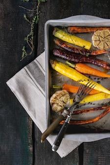 Zanahorias coloridas al horno