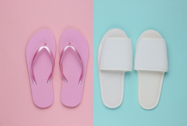 Zapatillas y chanclas en papel de colores