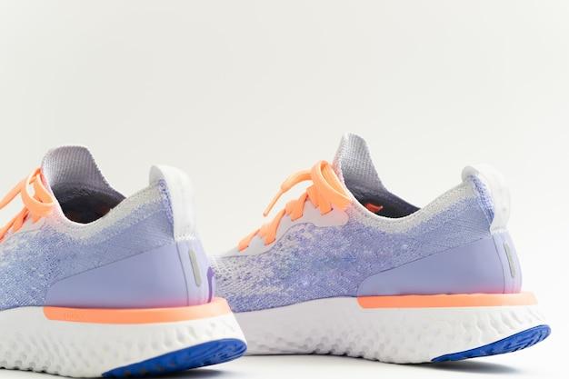 Zapato deportivo en blanco