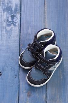 Zapatos de bebe en azul