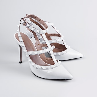 Zapatos blancos de mujer
