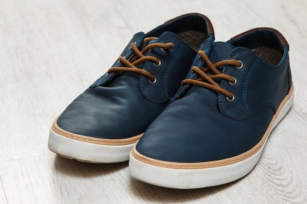Zapatos masculinos con estilo